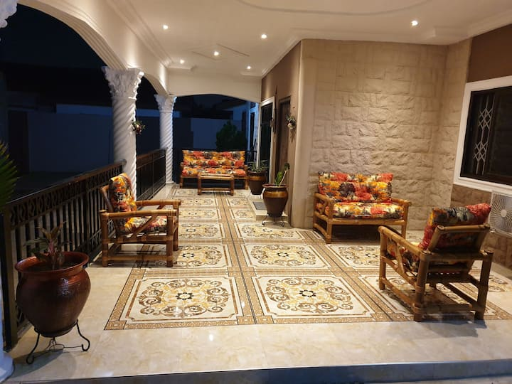 Luxury 2 Bedroom House - Tema Community 3