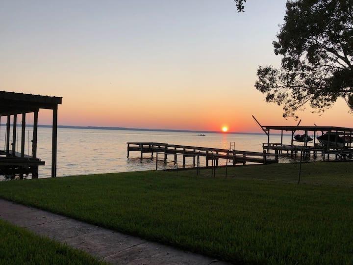 Lake Livingston Lakefront Sweetness
