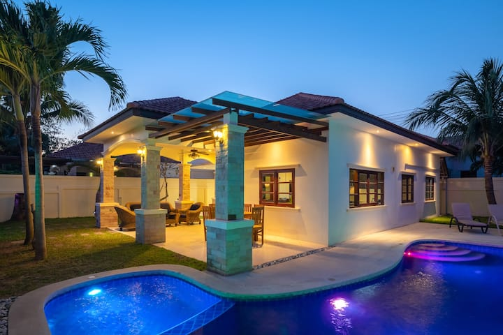 Well presented private pool villa in Hua Hin