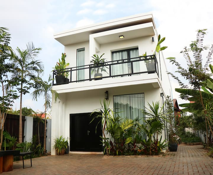 3 Bedroom - Private Homestay by La San