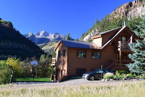 BEST VIEW--Sprawling Aspen-Area Home w/ Sauna