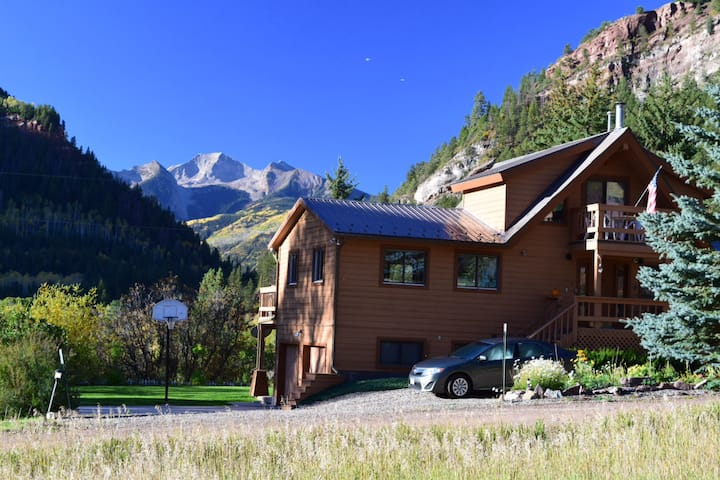 BEST VIEW--Sprawling Aspen-Area Home w/ Sauna