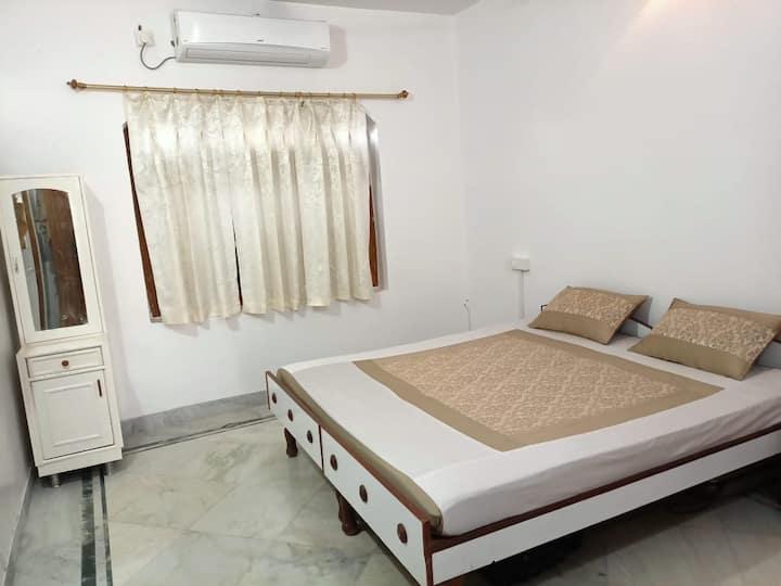 Luxury 1 -Bedroom house villa at Base of Mount Abu