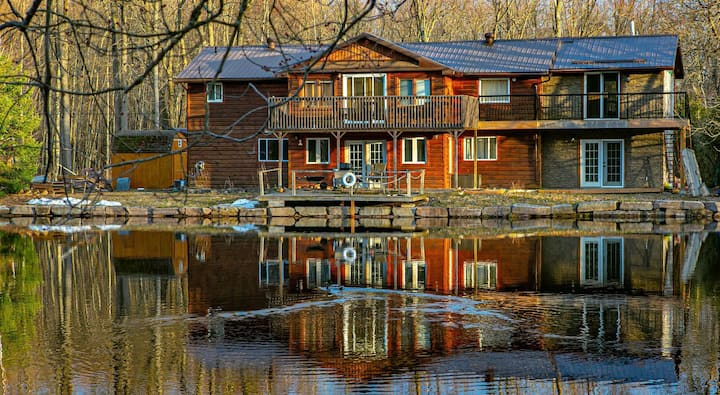 Beaver Creek Lodge - Hotel experience on the water