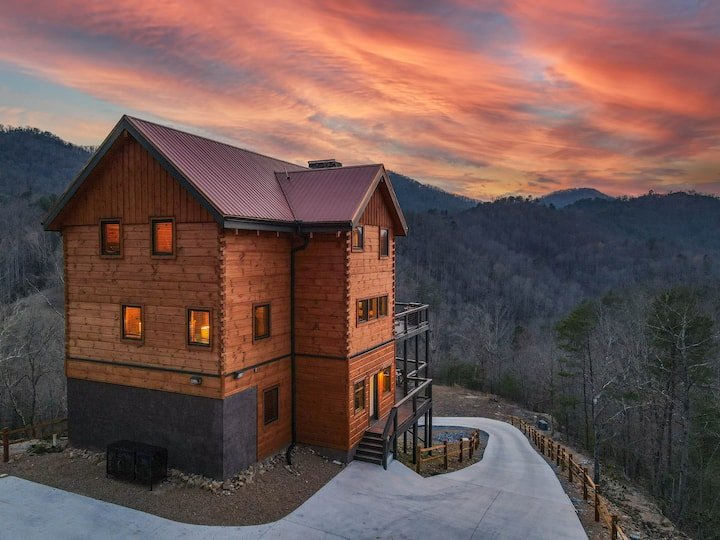 Newly Built | Incredible Views!! | Luxury Cabin