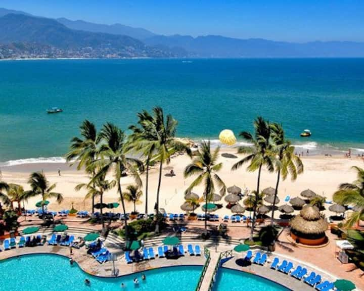 Puerto Vallarta entire 1 Br. Beach front condo