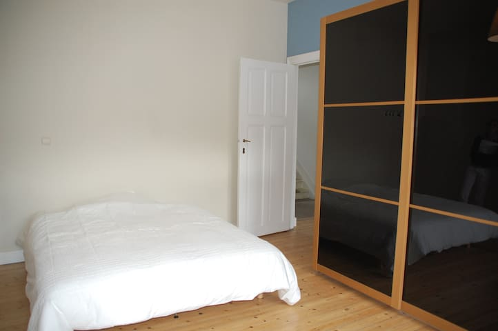 Happy Brussels / Private Room/ Medium to Long term