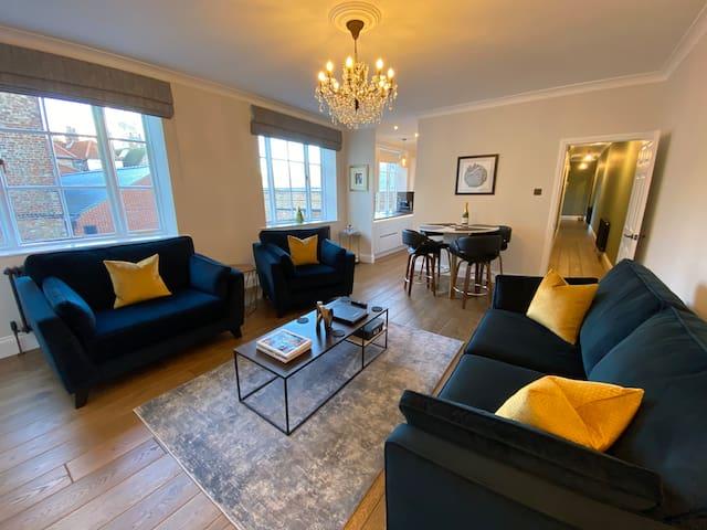 *Granary Court Luxury Stay* Stunning Minster view!