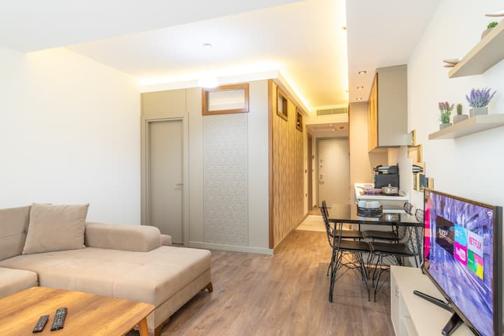 Cozy Fully Equiped Suite Near Mall of Istanbul