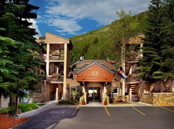 Vail Eagle Point  EASTER 1 BD Apr 2 - 9  $139