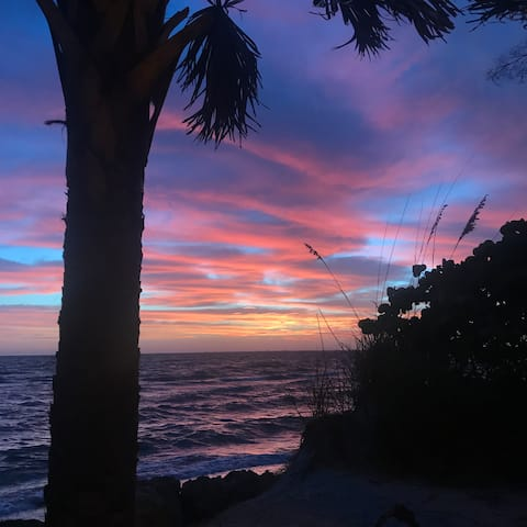 Beautiful Anna Maria Island awaits you!