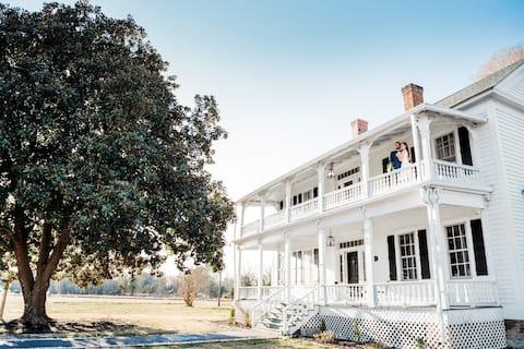 Magnolia Manor: Pearl Room