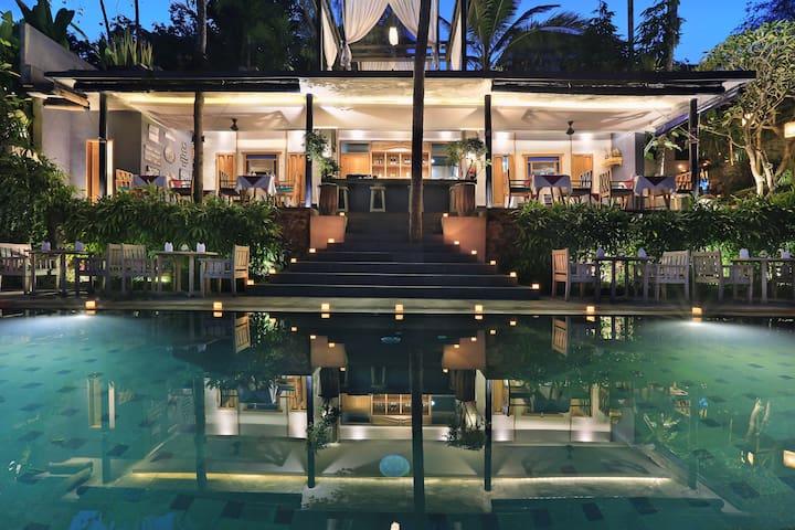 Romantic Royal Private Pool Villas