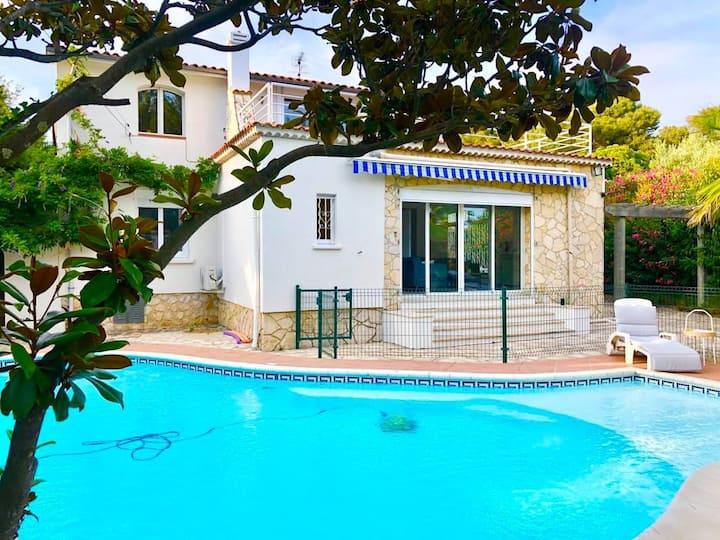 Villa climatisée piscine proche plages Côte d'azur
