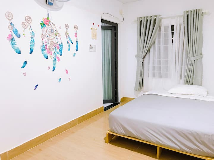 Double bed/Yen Homestay/City Center/Close to beach