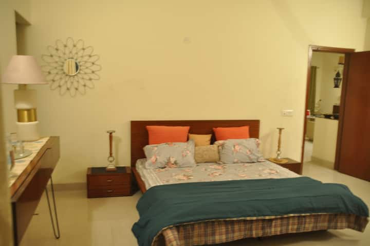 Entire Luxurious Serviced Apartment PariChowk