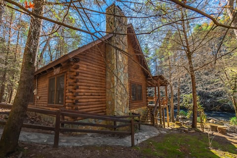 Rhode's Rustic Retreat on Fightingtown Creek