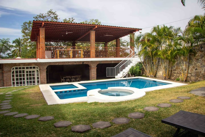 Quinta Mónica (Espectacular casa a 5 min del Lago)