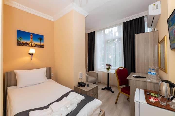 Golden Flower Hotel Tek Kişilik Oda