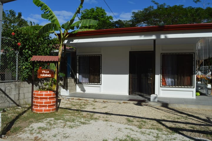 Villa Máximo,       Hermosa Casa cerca de la playa