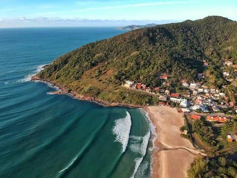 APENAS 50mts da praia da Gamboa Garopaba! Confira