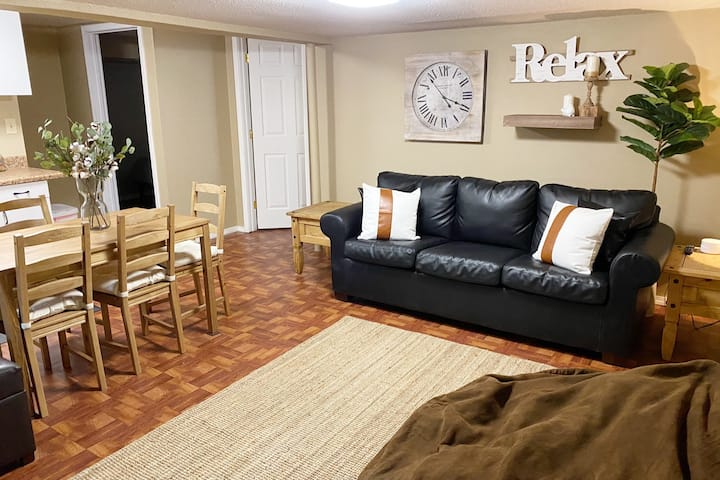 2Bdrm Walk-out Basement Apt w/kitchen-lower level