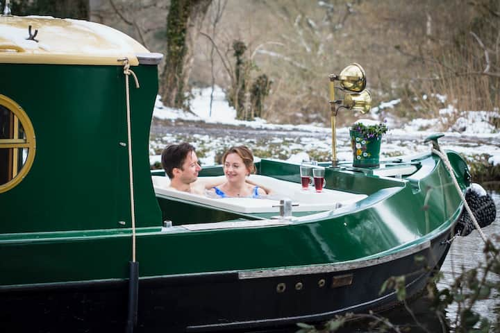 Luxury canal boat with hot tub & log burner