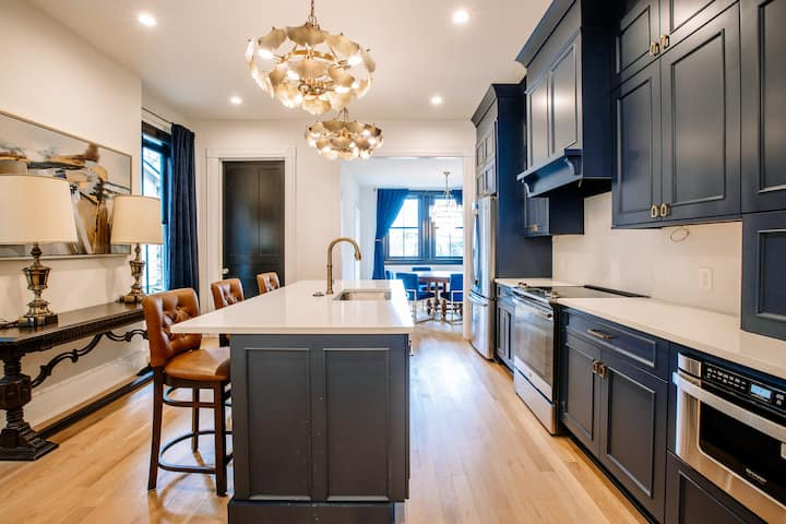 ✧Luxurious East TN Townhome ✧ Walk to Downtown