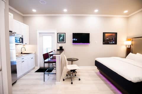 River Sirens Hotel Deluxe Suite
