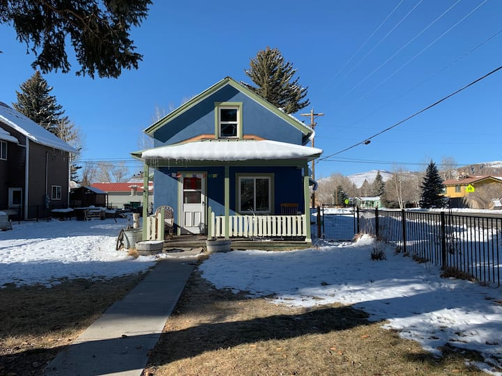 Cozy historic home in the heart of Gunnison!