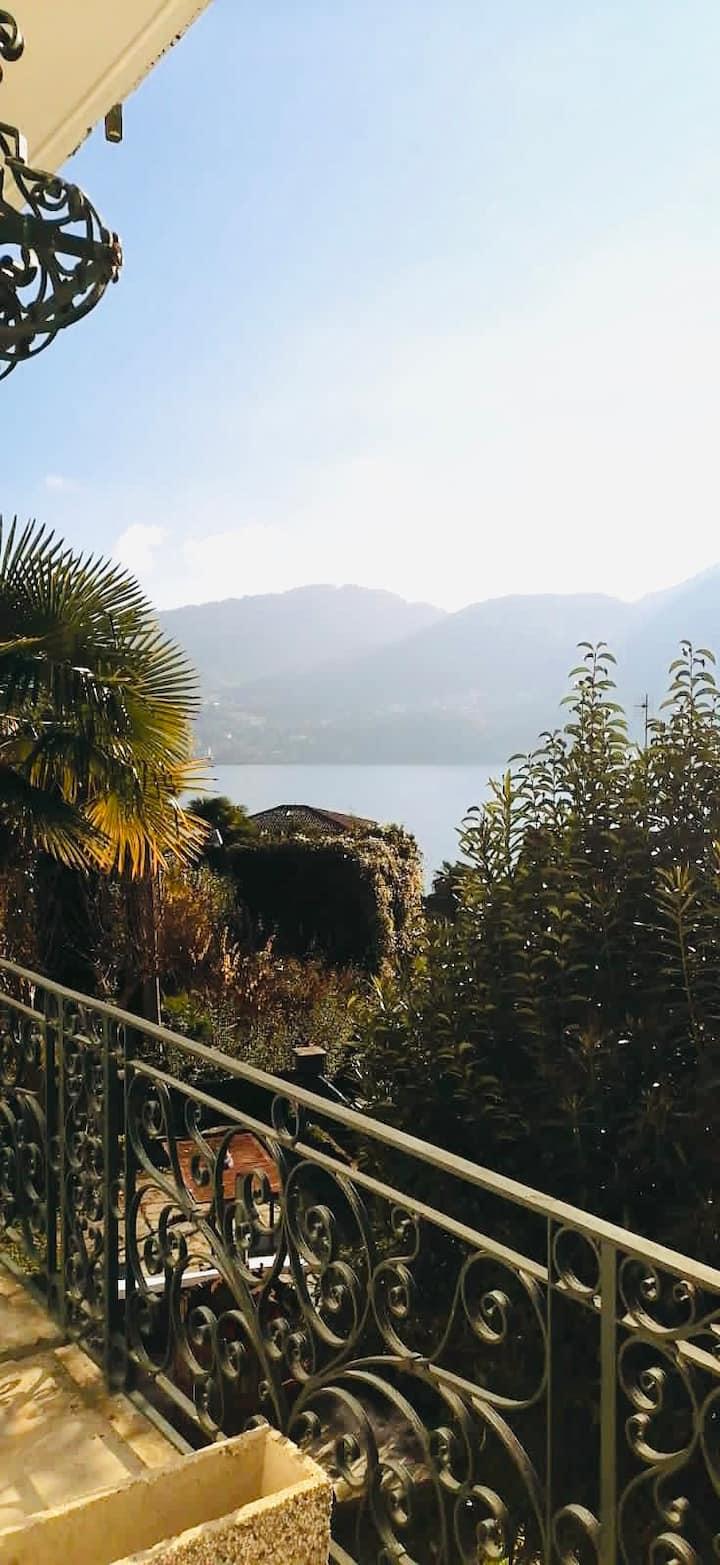 Romantic Home in the heart of Tremezzo