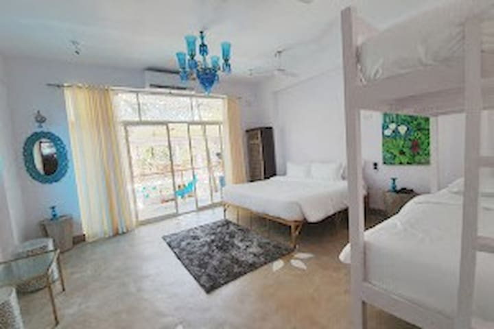 Varun King Room - King Bed + Bunk Bed-Forest View