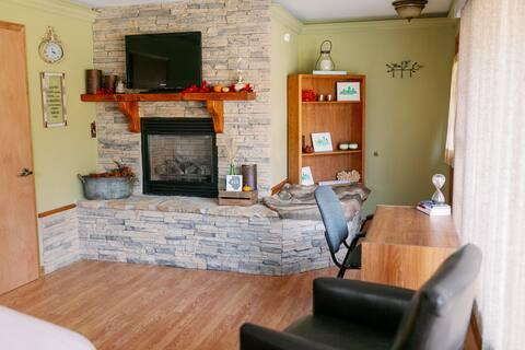 Safe Clean Corporate Suite- Quiet Cozy Retreat