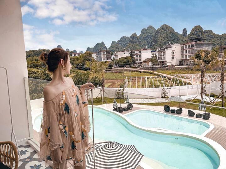 姬拉度假|摩洛哥风格|阶梯式三层泳池|阳台双床房|带观景阳台|独立卫浴|房间带浴缸|