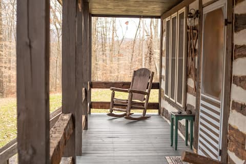 Third Peg Inn -Log cabin cozy getaway