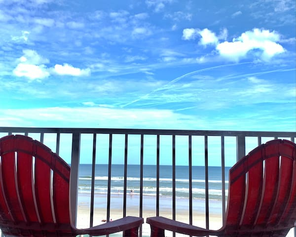 *OCEANFRONT STUDIO* w/ an Amazing Balcony