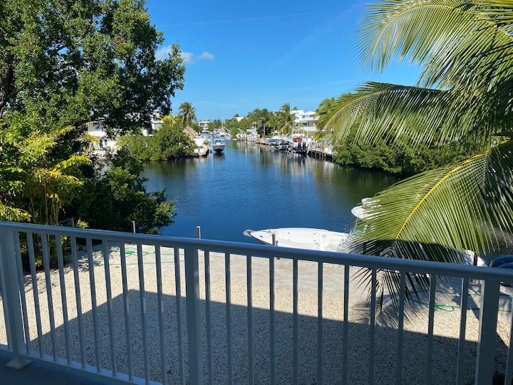 Beautifully renovated Keys home on Canal