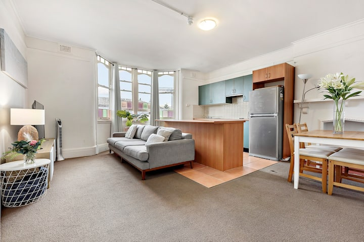 ☀Less than 100m to MANLY BEACH ♛Queen Bed + Style