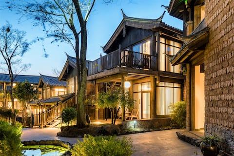Shuhe Ancient Town · Populariteit Rankings Homestay 【 Tea Horse Lodge Queen Bed Room 】 Designer Homestay - Licht luxe minimalisme - Reisfotografie - Bang Party - Sunshine Garden - Gratis vervoer vanaf de luchthaven voor 3 nachten