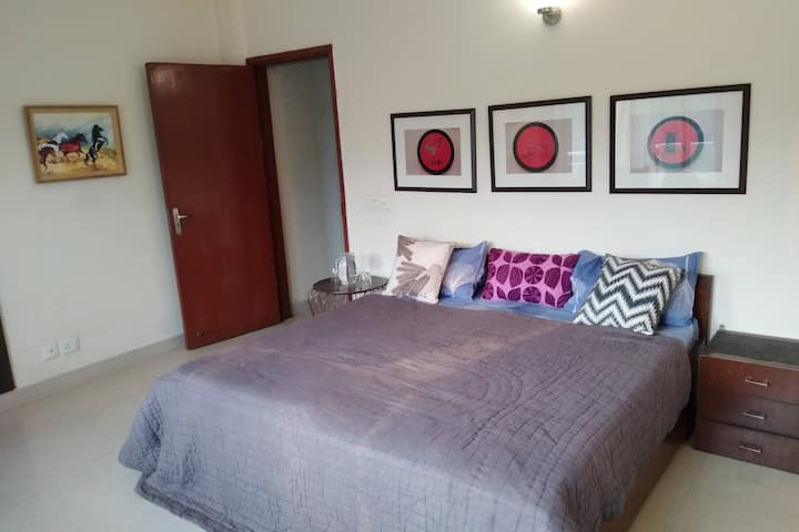 Perfect Getaway Serviced Apt Metro/Expressway/Mall
