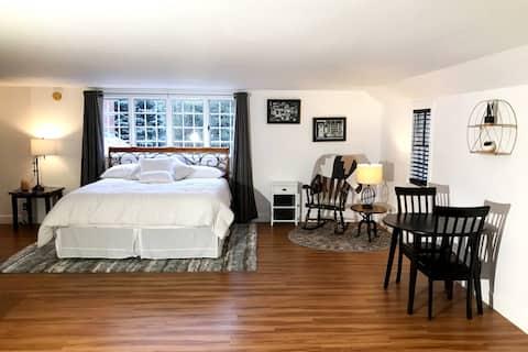 White Rose Homestead - Mondial Guest Room
