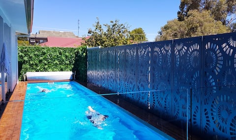 Super Cool Swimming Pool - A holiday every day!
