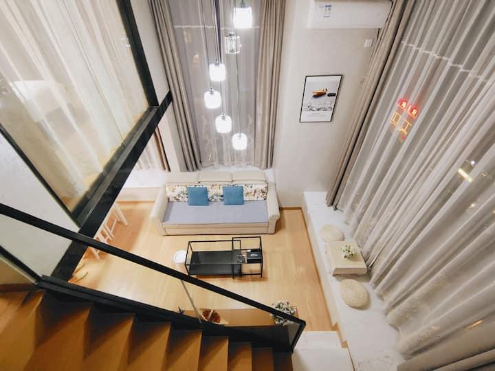 〖途宿〗臻选LOFT设计师公寓 全景·飘窗大床房