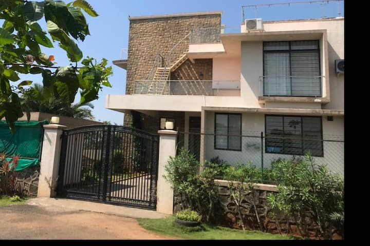 4 BHK Bungalow for a peaceful getaway