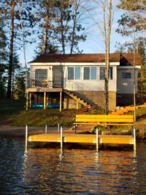 Peaceful Lake Cottage