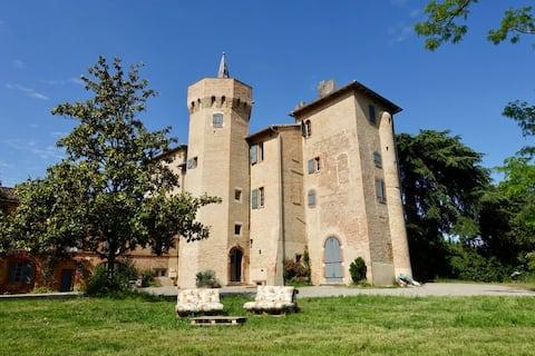 Bel appartement au Château, coeur du village