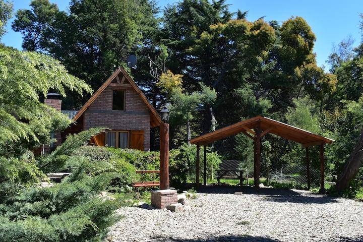 Agreste complejo en las montañas - Villa Ventana