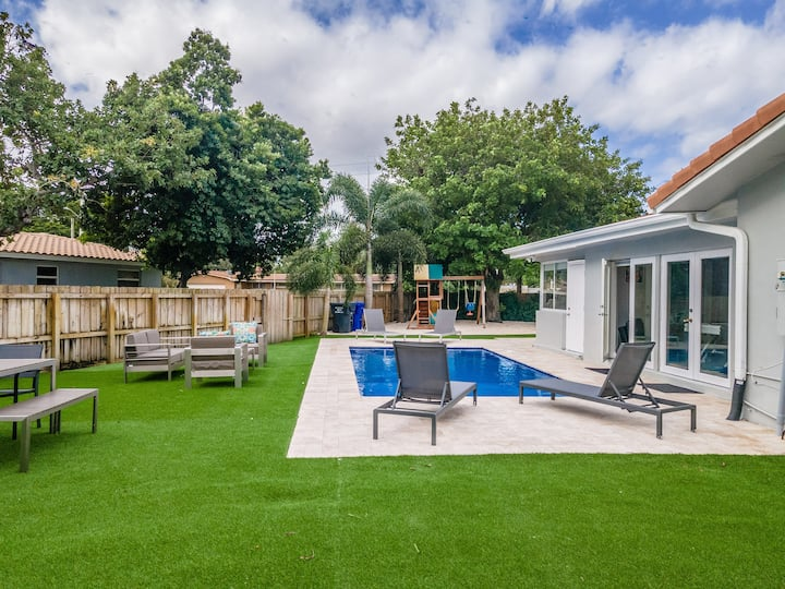 NEW POOL Home in Hollywood 5Bd/3Ba ☀️Beeaches✈️FLL⭐️