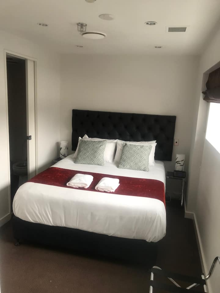 2Bedroom Apartment in the Luxurious  Museum Hotel