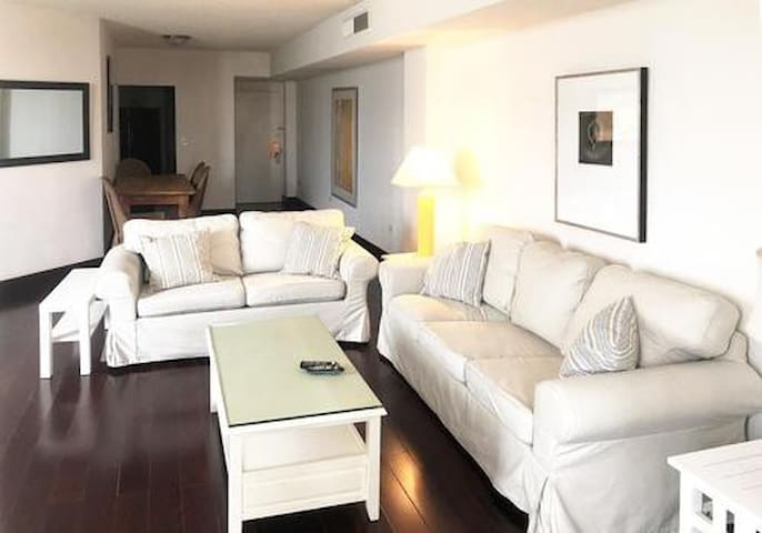 Spacious cottage style 2bed/2bath in Brickell